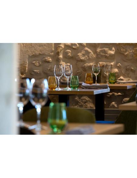 Tables individuelles, vin au verre si vous souhaitez