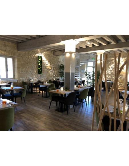 Le restaurant gourmet en face du domaine, traversez la cour du Château, vous y êtes !
