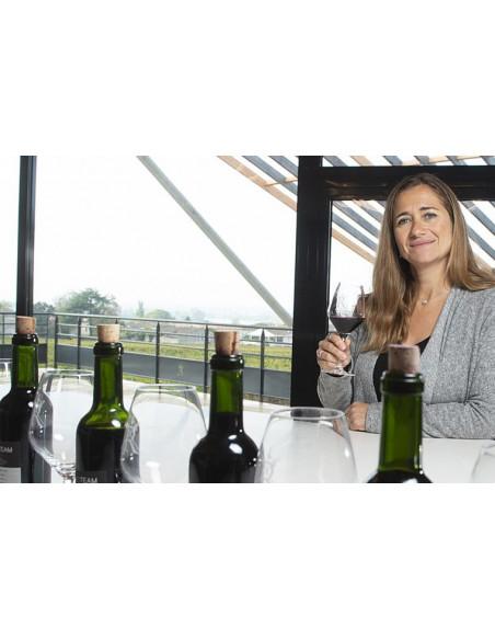 Une dégustation de grands vins clôture toujours la visite des caves à vin