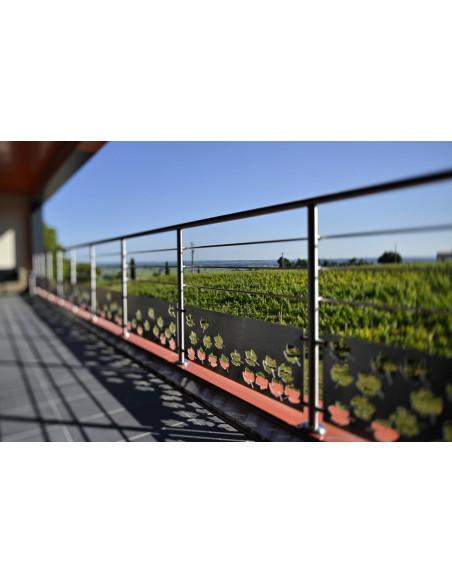 Terminez dans ce Saint-Emilion Grand Cru par une dégustation en terrasse surplombant le vignoble, une pure beauté :)