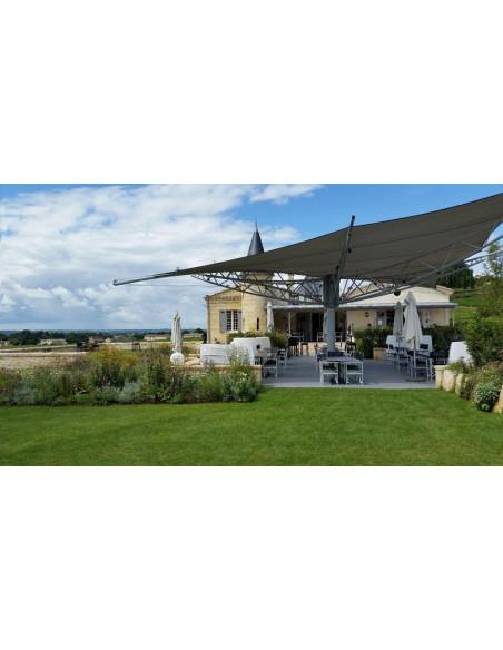 La terrasse du Château restaurant aux beaux jours...