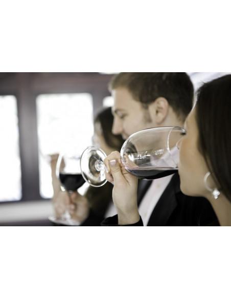 Dégustez avec attention ces grands vins de Margaux et surtout ces parfums qui se dégagent de votre verre de vin...