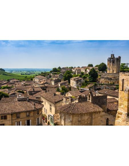Profitez pour faire une halte (vivement conseillée) dans le village médiéval de Saint-Emilion