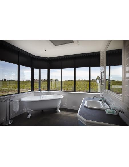 Même la salle de bains offre une vue sur les vignes...