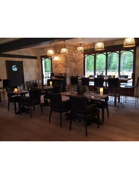 Le restaurant à 2 pas de votre chambre du Château, posez votre voiture dès votre arrivée !