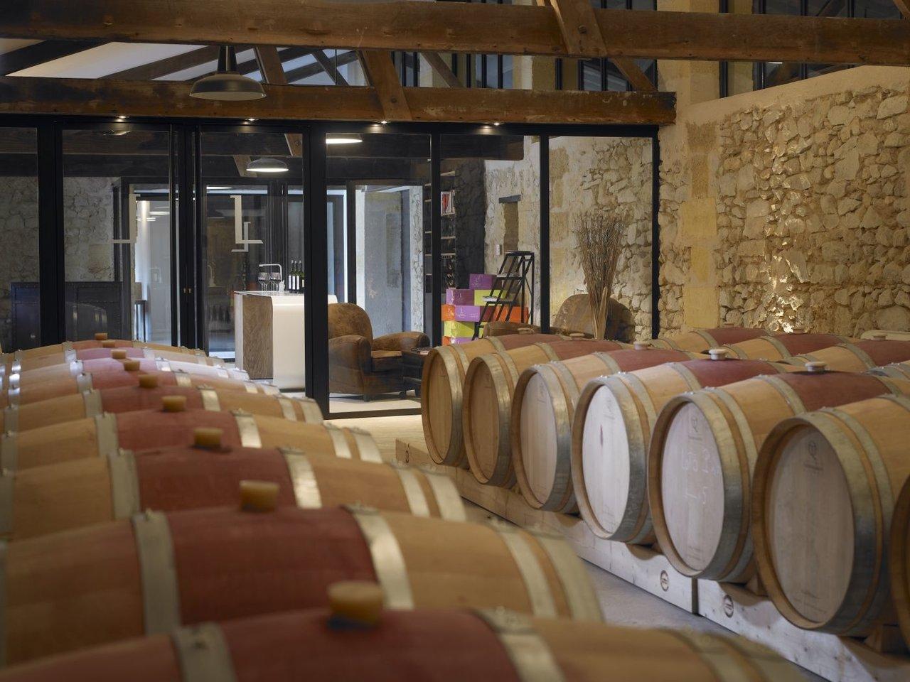 Chai à barriques au château de Bordeaux