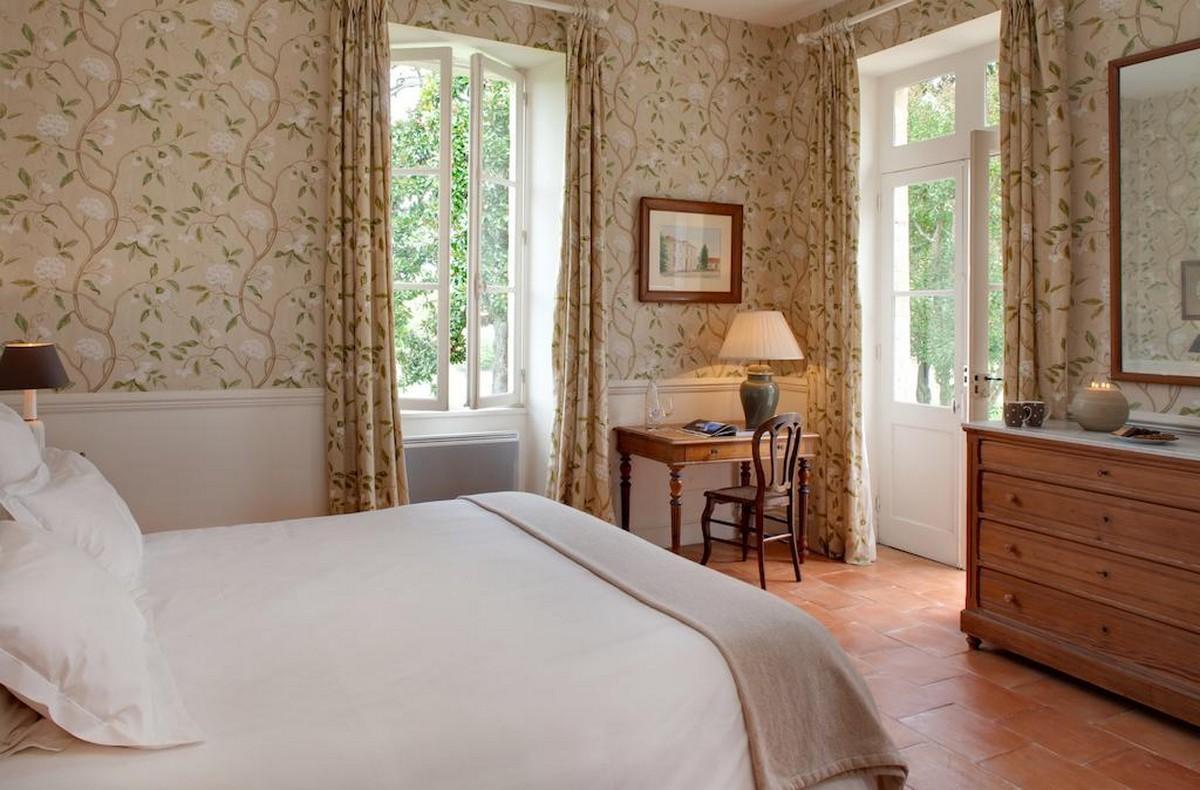 Chambre blanche et verte à Saint-Estèphe