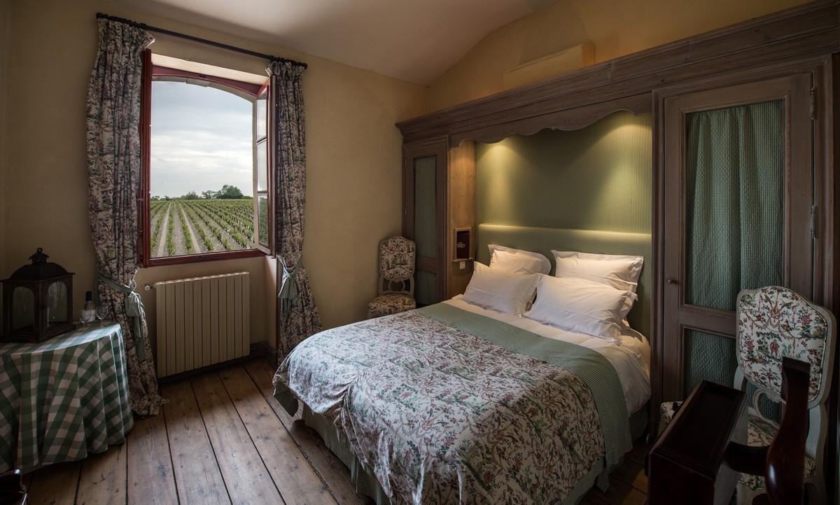 Chambre verte vue sur vignoble de Margaux