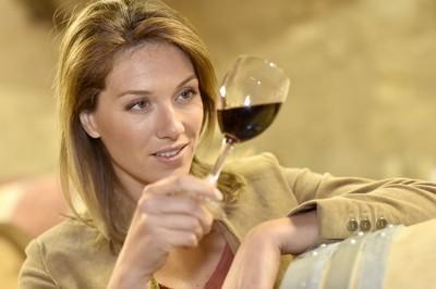 Dégustation de vin dans les caves