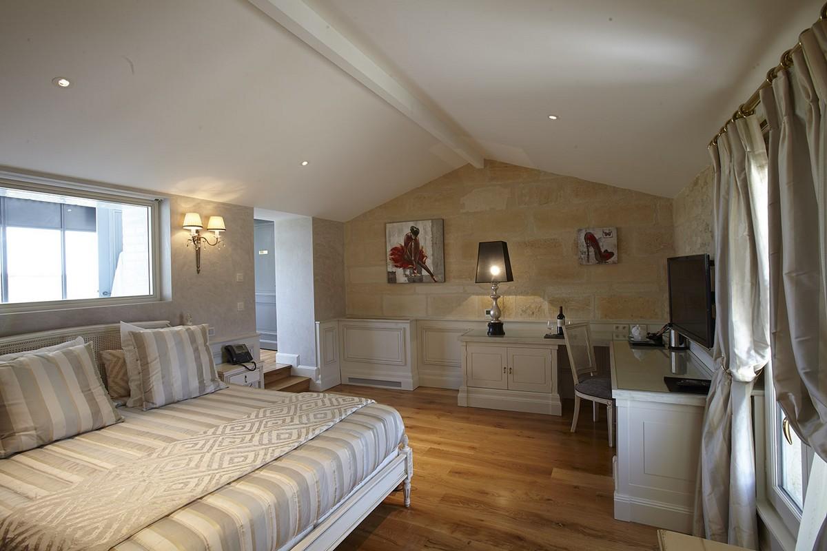 Superbe chambre blanche du château