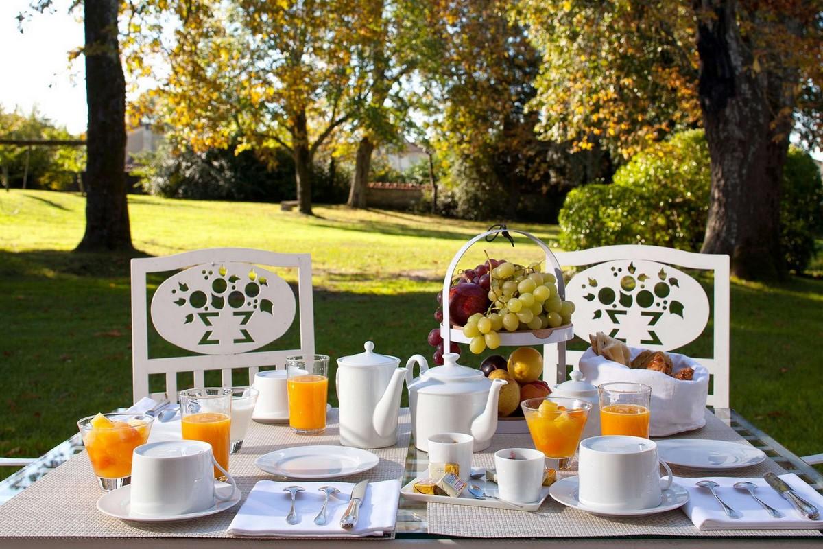 Petit déjeuner au coeur du parc du château