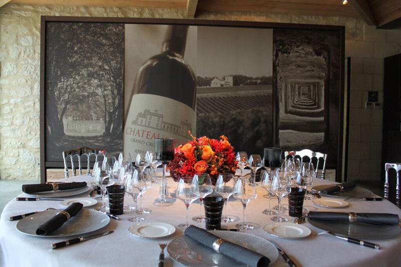 Nous organisons tout votre événement d'entreprise : séminaire dans un château sur route des vins, team building, activité incentive dans le vignoble Bordelais.