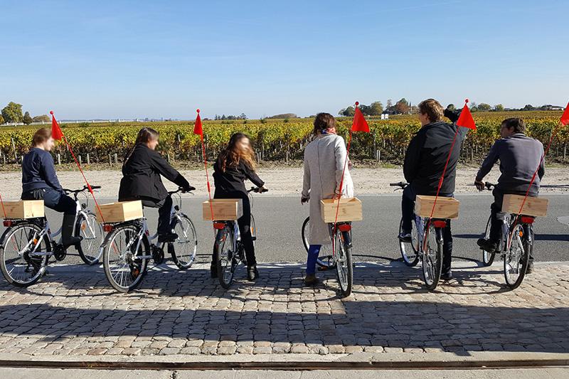 Pour votre voyage d'affaire, votre animation incentive à Bordeaux autour des vins, avec cours œnologie, atelier du vin, visite de cave de Châteaux à Bordeaux.
