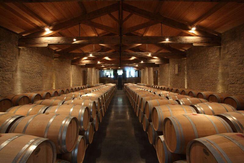 Faîtes plaisir en offrant le coffret cadeau Château Bordeaux avec visite de cave, découverte de l'œnologie, dégustation de grand vin de Bordeaux cru classé.