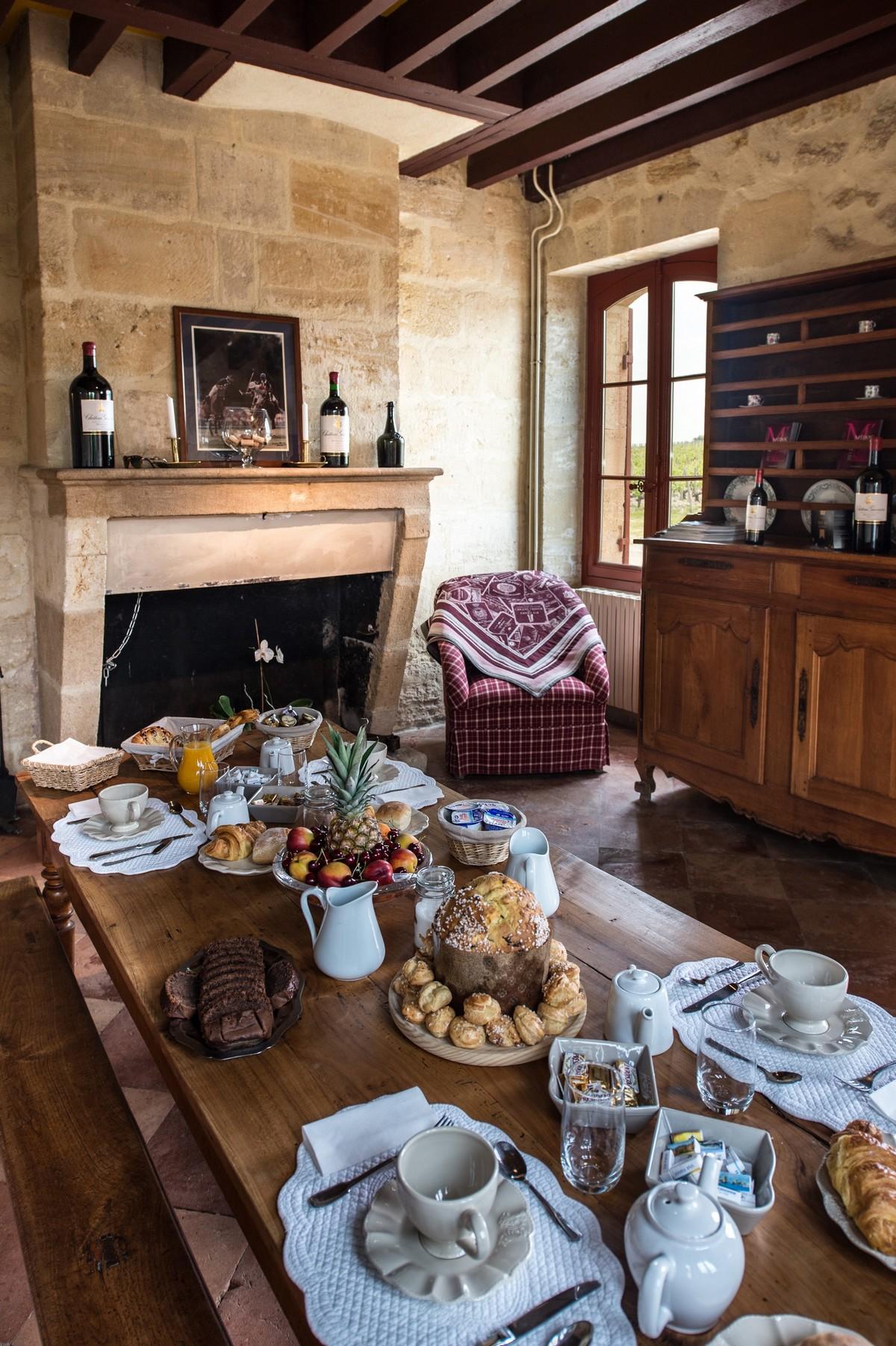 Copieux petit déjeuner au château en Médoc