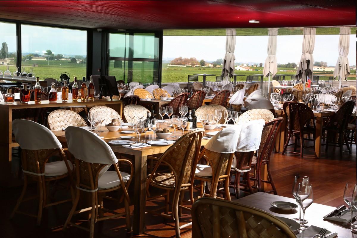 Restaurant dans un château de Saint-Emilion