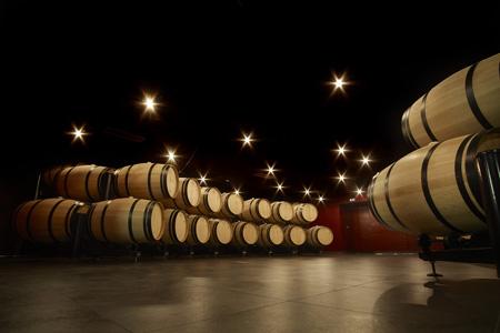 Coffret cadeau œnologie est un coffret découverte cadeau vin pour apprendre les vins. Stage œnologie dans le vignoble Bordelais, à Margaux et à Saint-Emilion.