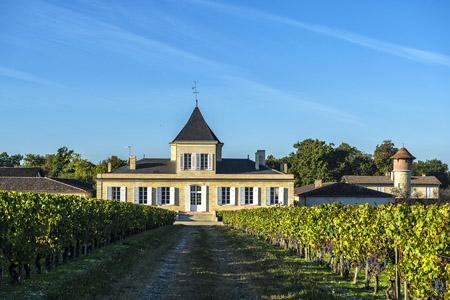 Coffret œnologie est un cours œnologie dans un Château Bordeaux sur route des vins. Apprenez à déguster avec ce coffret initiation œnologie Bordeaux grand cru