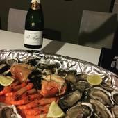 Infidélité au vin rouge :) avec ce champagne brut, accord parfait avec fruits de mer  #champagne #reimstourisme plaisir #gujanmestras #ostreiculture #fruitdemer #harmonie #huitres #bulles